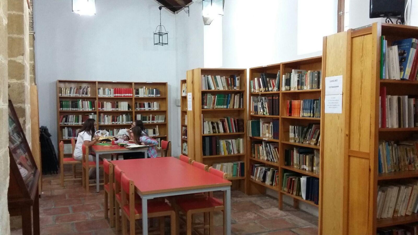 Biblioteca Pública Municipal de Iznájar 2