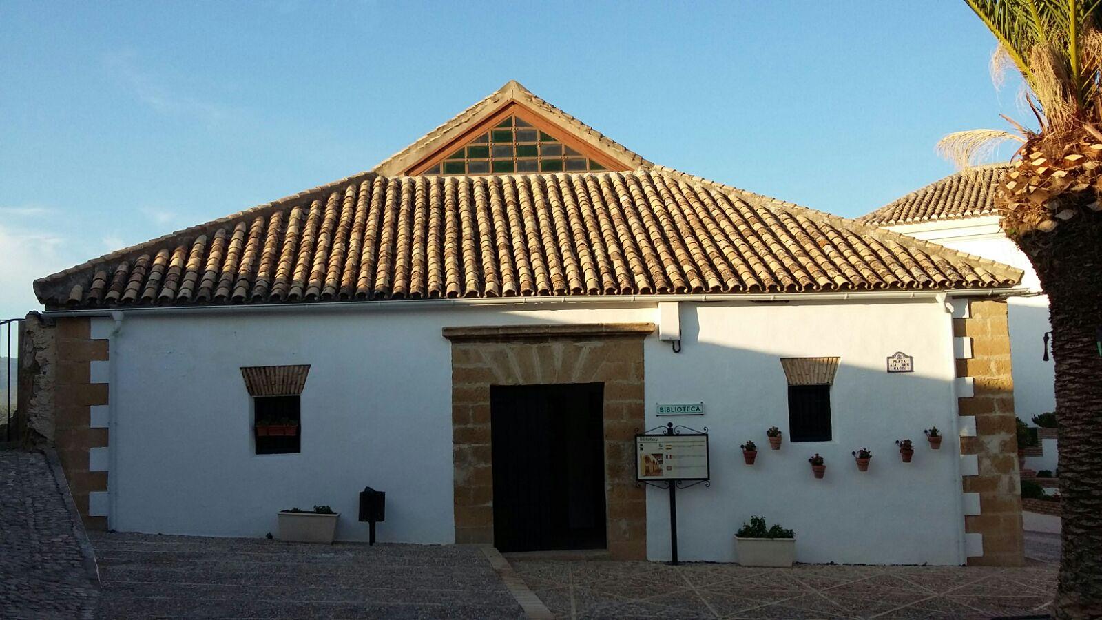 Biblioteca Pública Municipal de Iznájar 1