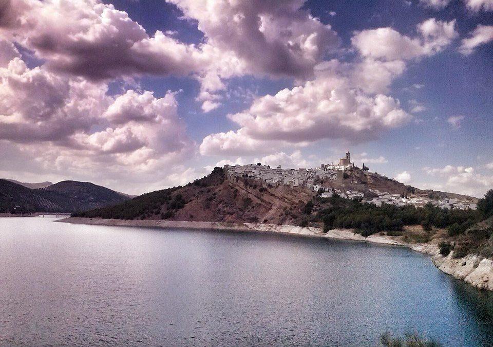 Iznájar entre los lugares de la provincia de Córdoba inscritos en el  Registro de Paisajes de Interés Cultural de Andalucía  1
