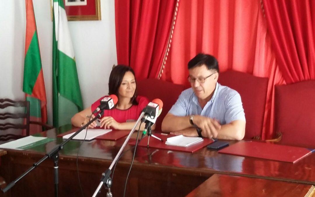 La Delegada del gobierno andaluz visita Iznájar 1