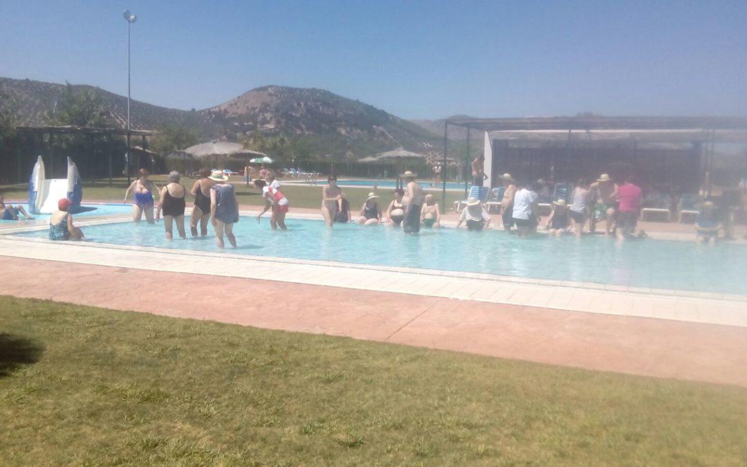 Jornada de actividades acuáticas para mayores de la Residencia 1