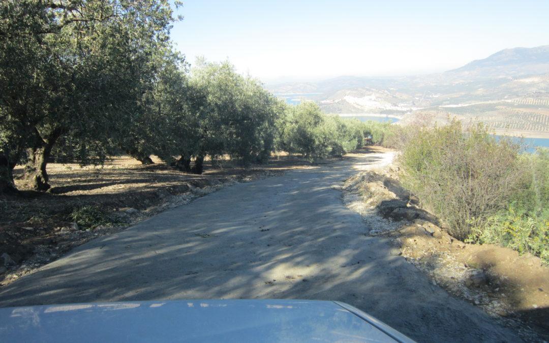 El Ayuntamiento de Iznájar destina 43.670€ al arreglo y mejora de 17 caminos rurales particulares y 16.100€ para la dinamización social del municipio 1