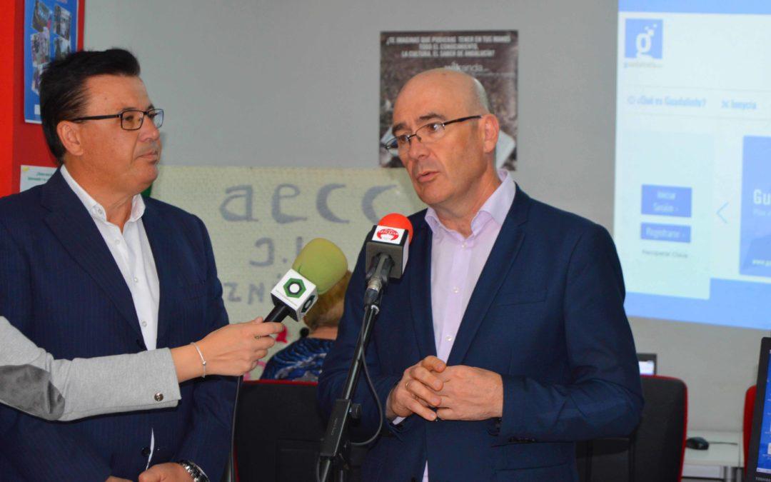 El Delegado de Economía ha visitado las instalaciones del Centro Guadalinfo de Iznajar  1