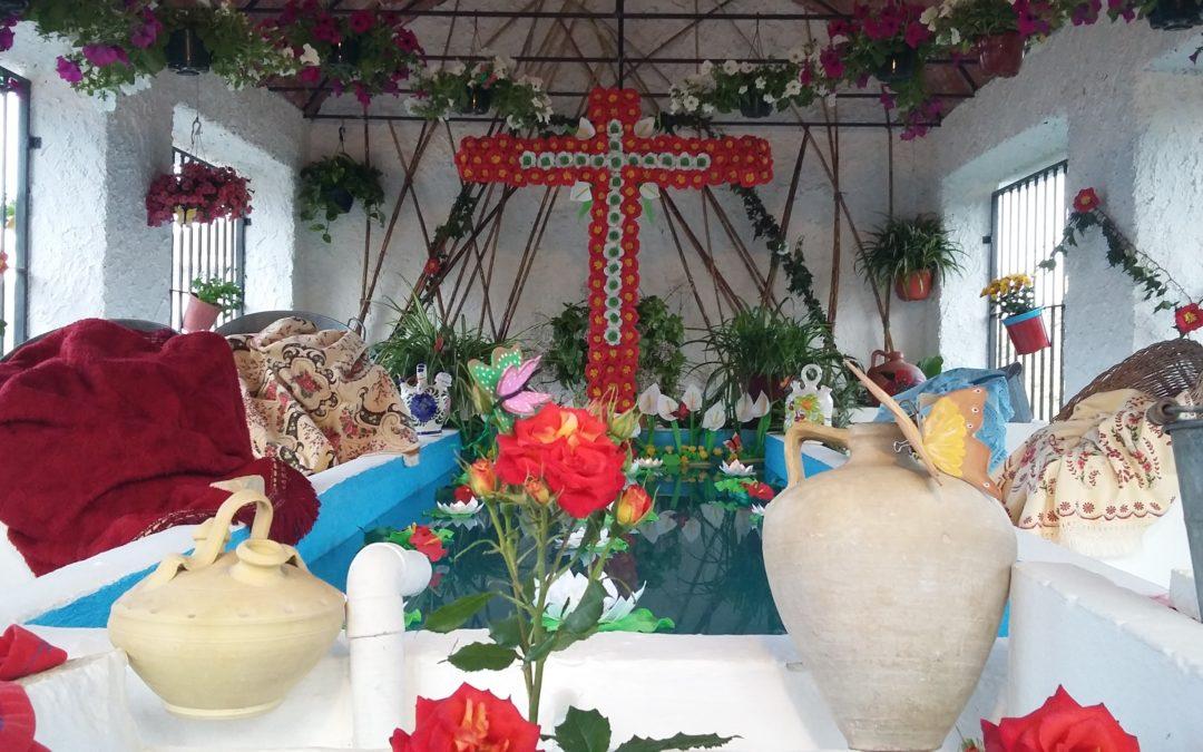 La Cruz de las Eras de la Celada recibe el primer premio del Concurso de Cruces de Mayo de Iznájar 1
