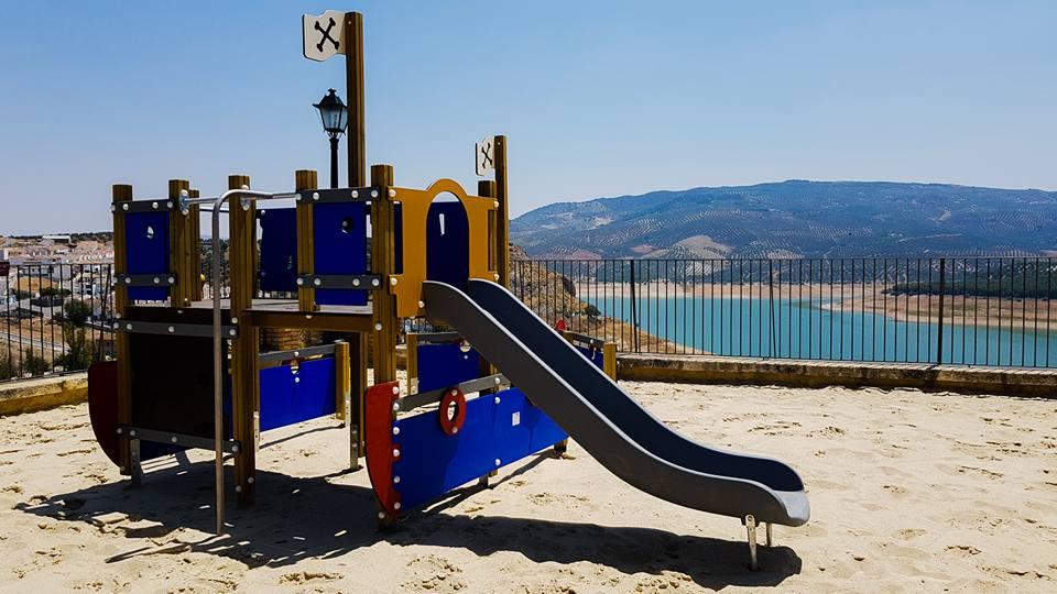 Parque Infantil en Paseo de la Constitución 5