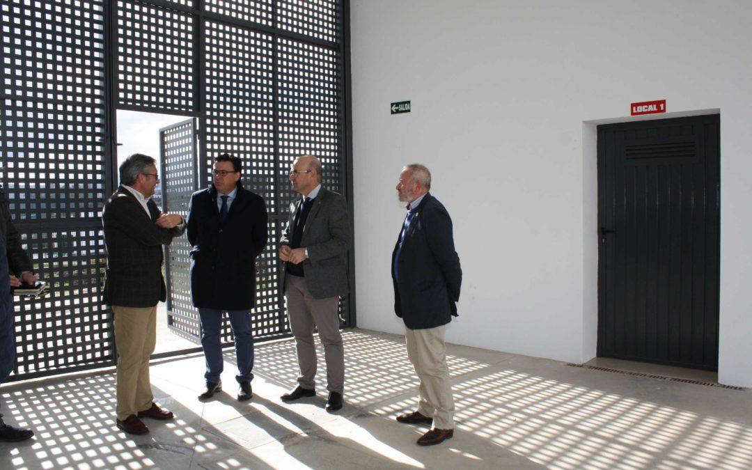 La Junta y el Ayuntamiento de Iznajar colaborarán en la gestión del Centro de Iniciativa Empresarial 1