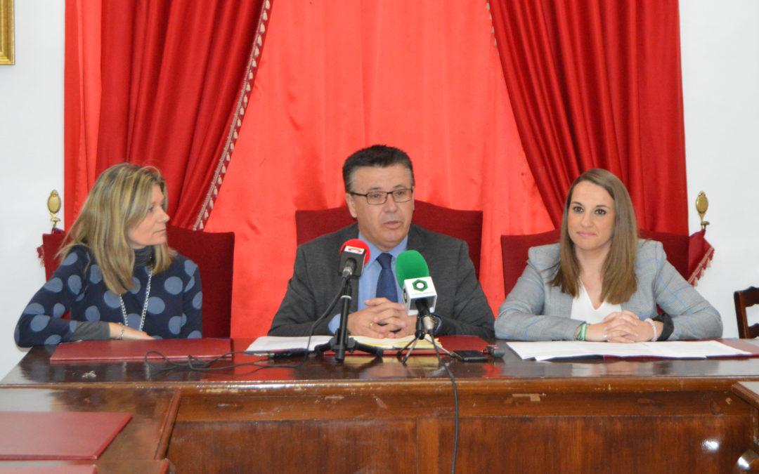 La Delegada del Gobierno visita Iznájar 1