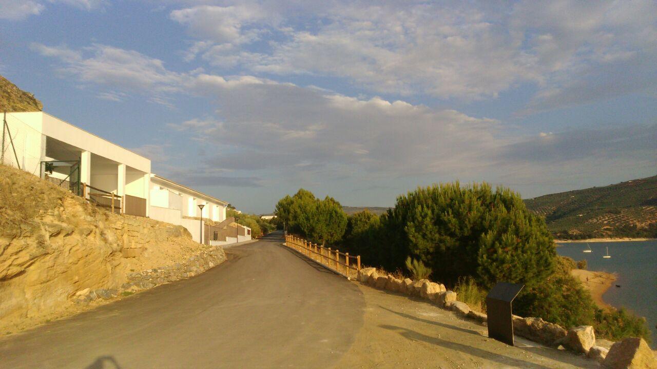 Imágenes Paraje y Playa de Valdearenas, y Centro de Interpretación del Embalse 1