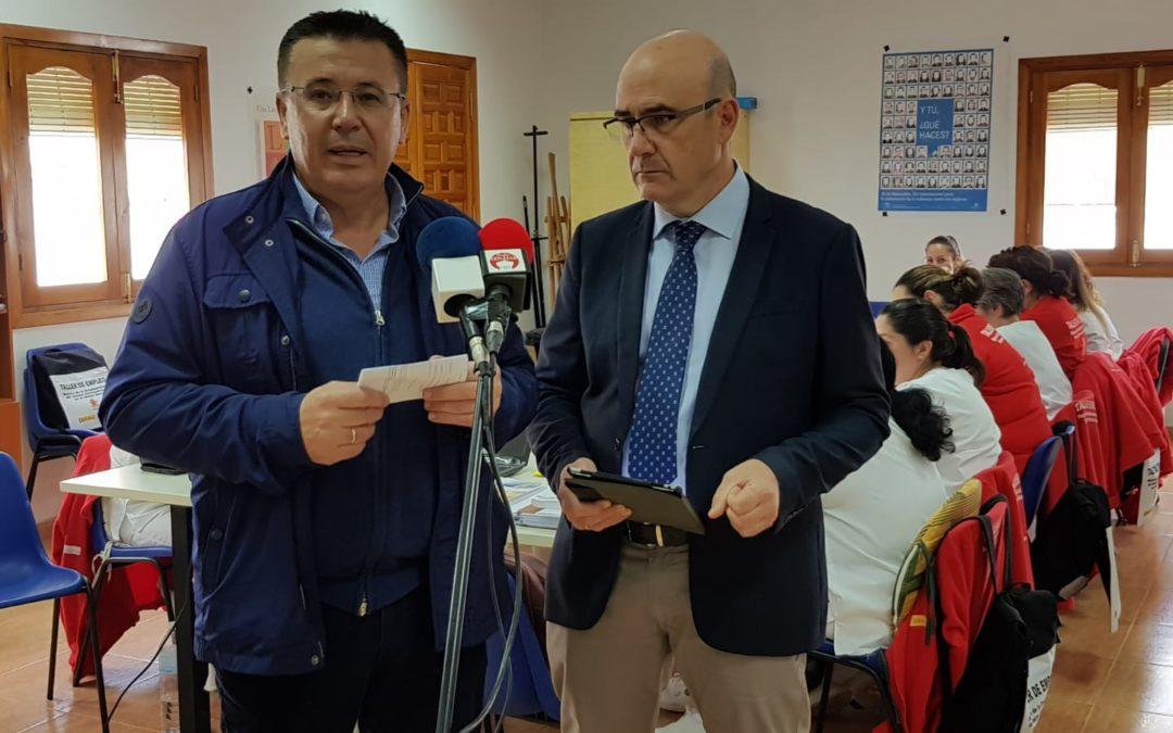 El Delegado de Conocimiento y Empleo visita Iznájar 1