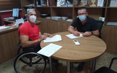 El Ayuntamiento de Iznájar apoyaun año más al deportista iznajeño de ciclismo adaptado Alfonso Ruiz