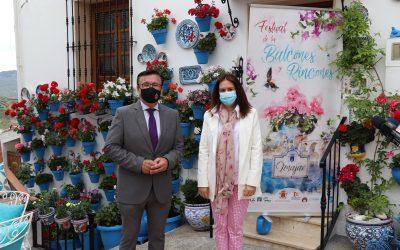 Iznájar celebra la primavera con su X Festival de los Balcones y los Rincones