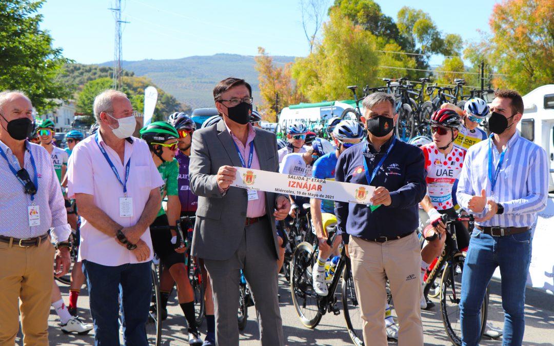 Iznájar disfrutó este miércoles de la salida y paso de la segunda etapa de la Vuelta Andalucía-Ruta Sol 2021