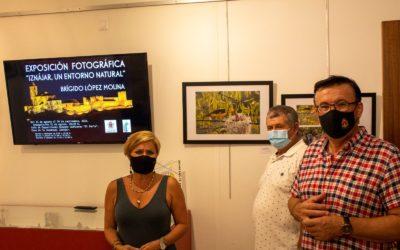 """Inaugurada la exposición de fotografía """"Iznájar, un entorno natural"""""""